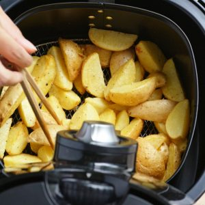 Best Air Fryer – Use Your Air Fryer To Make Extra-Crunchy Potatoes