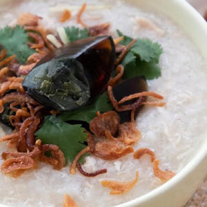 Zojirushi NS-ZCC10 Rice Cooker Slow-cooker Ginger Chicken Rice Porridge: Comfort in a pot